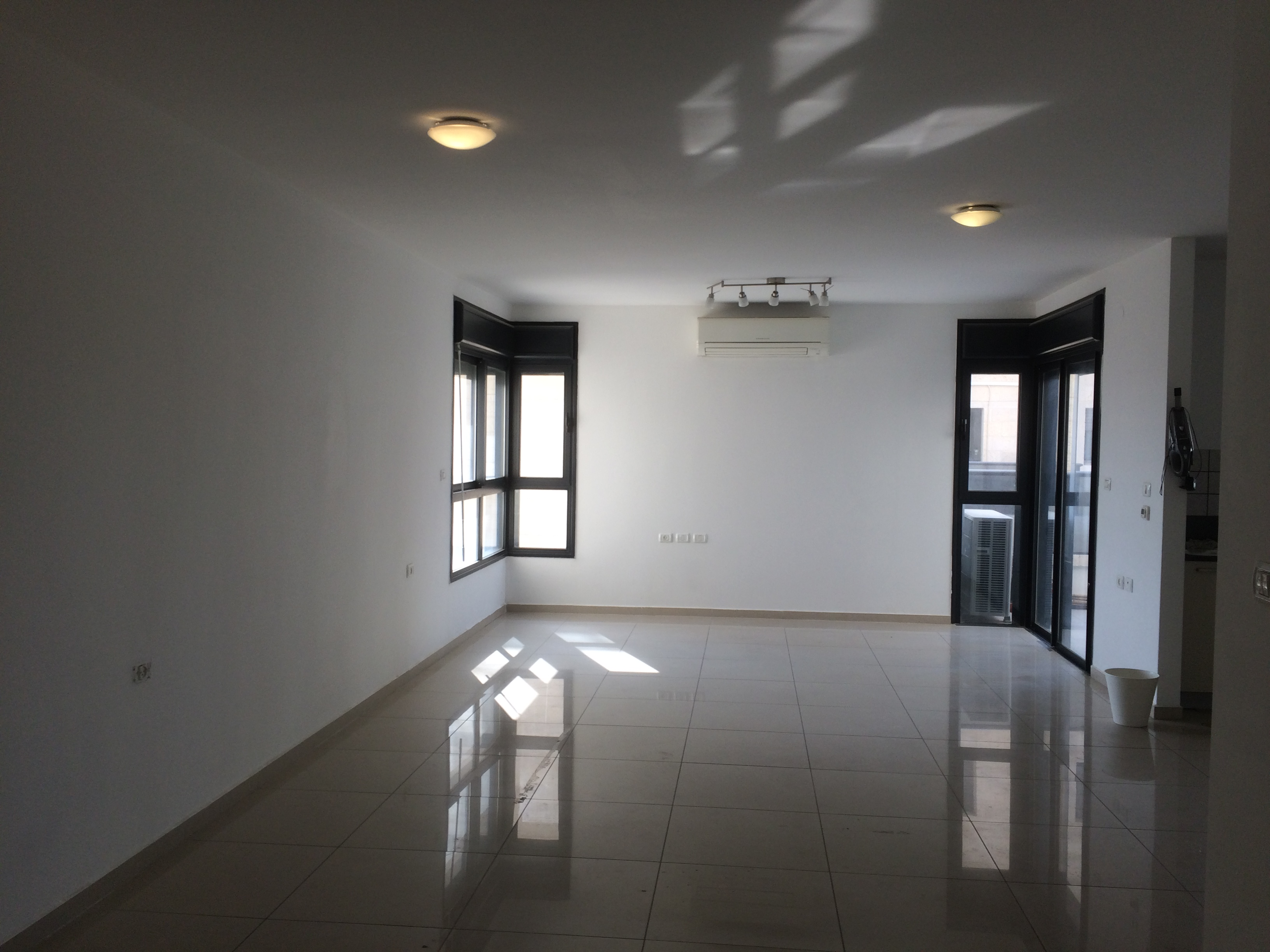 A Nice 3 5 Bedroom Apartment For Rent In Nachlaot Heights Jerusalem Your Home In Jerusalem